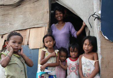 La famiglia testimone della forza salvifica della povertà, l'editoriale del Prof Marengo per la Giornata Mondiale dei Poveri